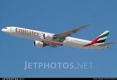 Photo of A6-EBE Boeing 777-36NER by Dennis Schramm