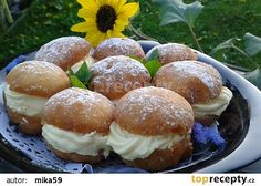 Koblihy s krémem recept - TopRecepty.cz Czech Recipes, Russian Recipes, Ethnic Recipes, Polish Recipes, Pavlova, Sweet Bread, Baked Potato, Muffin, Food And Drink