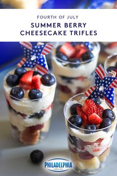 These kid-friendly summer berry cheesecake trifles make it easy to celebrat 4th Of July Desserts, Fourth Of July Food, Summer Desserts, Just Desserts, Delicious Desserts, Dessert Recipes, Yummy Food, July 4th, Cheesecake Trifle