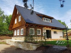 Fotogalerie realizovaných roubených staveb - roubenkyroubal.cz Small Places, Log Homes, Traditional House, Cabana, Tiny House, Beautiful Homes, Sweet Home, Vacation, Architecture
