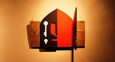 Título: Entrada | Dimensão: Variada | Técnica: Mista - Acrílica sobre escultura em MDF e tábua - 2010