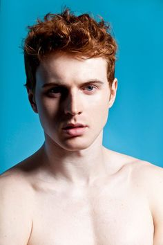 Thomas Knights has put together a fantastic film and photo exhibition called 'RED HOT', showcasing the attractiveness of red-haired men. By placing ginger guys in this positive light, Thomas hopes to reinvent the stereotype surrounding red-headed men. Hot Ginger Men, Ginger Boy, Ginger Hair, Gorgeous Redhead, Beautiful Men, Pretty Men, Redhead Costume, Red Hair Men, Model Shooting