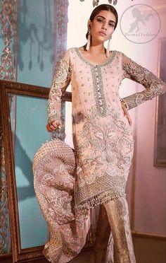 Pakistani Bridal Wear, Pakistani Dresses, Indian Dresses, Pakistani Couture, Indian Suits, Indian Wear, Beach Wear Dresses, Casual Dresses, Heavy Dresses