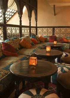 Moroccan Lounging Area ... I looooooooooove this so much