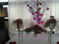 Mesa principal, en colores calidos
