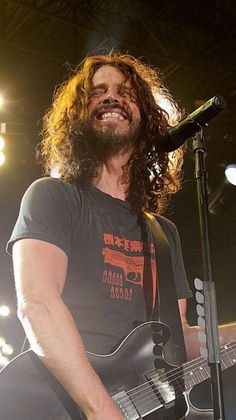 Chris Cornell---Say Cheeese Chris Cornell, Beautiful Voice, Most Beautiful Man, Gorgeous Men, Say Hello To Heaven, Seattle, Shadow King, Long Hair Beard, Temple Of The Dog