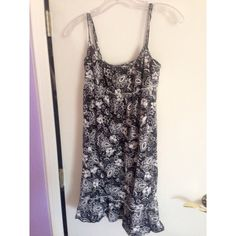 Pretty Summer Dress Pretty paisley navy summer dress LOFT Dresses