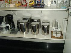 Prateleira de armário de cozinha