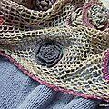 http://clothogancho.canalblog.com/archives/2013/10/18/28242697.html écharpes et châles