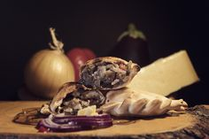 Empanada Malbec Tapas, Catering, Empanadas, Garlic, Vegetables, Food, Catering Business, Gastronomia, Essen