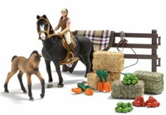 Schleich horse play set Horse Stables, Horse Barns, Barbie Horse, Plush Horse, Knight On Horse, Bryer Horses, Trakehner, Toy Barn, Stick Horses
