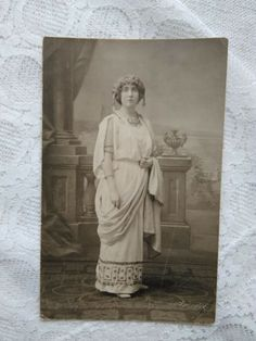 Antique Hungarian atelier photo-postcard, lady in Greek style costume 1914 Photo Postcards, Vintage Photos, Vintage Ladies, Greek, Costumes, Statue, Antiques, Lady, Painting