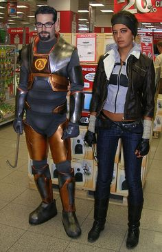 Wow I don't usually pin Cosplay pics, but this is awesome! Dr Gordon Freeman and Alyx Vance (Half Life)