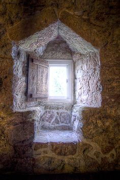 medieval window now that's a built in window seat Medieval Houses, Medieval Castle, Old Windows, Windows And Doors, Fresco, Medieval Bedroom, Window View, Window Seats, Castle Window