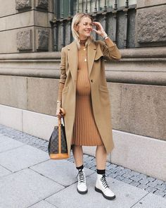 25 Pregnancy Outfits - OZODA STYLE Maternity style inspiration featuring knit camel midi dress, tan coat, and white lace up boots. Stylish Maternity, Maternity Wear, Maternity Fashion, Stylish Pregnancy, Maternity Style, Pregnancy Style Winter, Maternity Dresses, Pregnancy Outfits, Pregnancy Photos