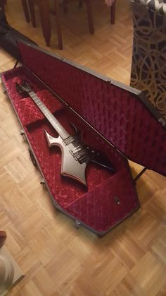My new B.C.Rich guitar and coffin case thoughts?