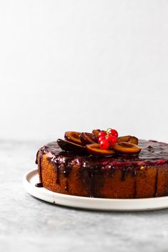 with red wine Plum Cake, Red Wine, Panna Cotta, Cheesecake, Drinks, Ethnic Recipes, Desserts, Christmas, Food