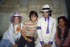 Moonwalker cast with Sean Lennon Michael Jackson Smooth Criminal, Michael Jackson Memes, Michael Jackson Bad Era, Bad Michael, Sean Lennon, The Jackson Five, Jackson Family, Brooke Shields, Beatles