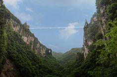 China se prepara para inaugurar el puente de superficie vidriada más largo y alto del mundo
