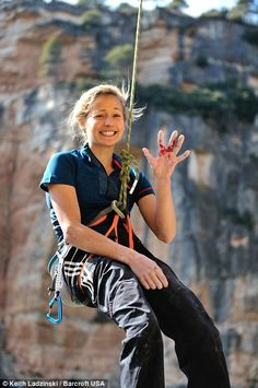 The girl who could climb before she could walk: Teenager crowned the best female climber in the world Just one image amongst many great climbing shots, along with an article on Sasha DiGiulian - Click through to read! Climbing Girl, Climbing Holds, Rock Climbing Gear, Escalade, Rappelling, Olympic Sports, Kayak, Mountain Climbing, Mountain Biking