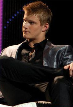 Google Image Result for http://images5.fanpop.com/image/photos/28900000/Cato-s-interview-the-hunger-games-movie-28914327-262-384.jpg
