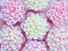Spring Flower Cupcakes at The Dessert Chronicles