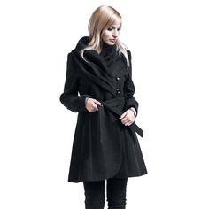 """Cappotto donna nero """"Lynn"""" del brand #Rockabella."""