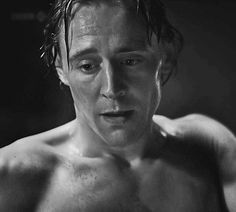 tom-hiddleston gif... WARNING! YOU WILL DIE FROM THIS GIF!