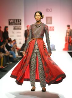 Fall/Winter 2014-15. Ashish, Viral and Vikrant creation. Pant with an open Anarkali. A fusion wear indeed. Description of Pinner Mahua Roy Chowdhury