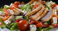 Tein blogissani pienen salaattikyselyn kilpailun yhteydessä. Kysyin mitä aineksia kuuluu omaan suosikkisalaattiisi. Kilpailun suo... Caprese Salad, Cobb Salad, Mozzarella, Feta, Salads, Food And Drink, Chicken, Pineapple, Salad