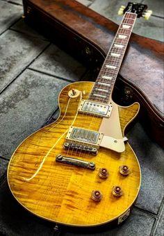 Guitar Solo, Guitar Amp, Cool Guitar, Acoustic Guitar, Gibson Sg, Gibson Les Paul, Gibson Epiphone, Gibson Guitars, Banjo Tabs