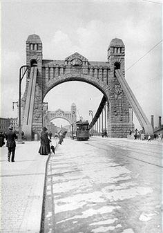"News Photo : Germany, Silesia, Breslau, ""Kaiserbruecke"", date. Still Image, Tower Bridge, Brooklyn Bridge, Germany, Dating, Places, News, Travel, German Language"
