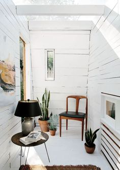 Small corner room with farmhouse chic style