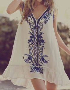 summer dress fashion blue vintage white girlie fashion photography summer dress
