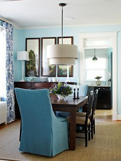 House of Turquoise: Lauren Liess Interiors (blues + dark wood) Dining Room Blue, Dining Room Design, Dining Room Chairs, Dining Table, Office Chairs, Outdoor Dining, Fine Dining, Dining Area, House Of Turquoise