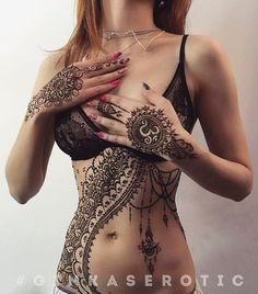 ♥♥♥ Henna hands stomach ribs beads dripping mandala