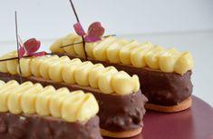 New Year's Desserts, Small Desserts, Italian Desserts, Delicious Desserts, Dessert Recipes, Pokemon Cupcakes, Mango Sorbet, Pavlova, Parfait