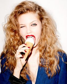 Lindsey Wixs winks #iD