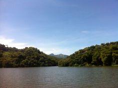 Suchitoto - navegando por el Rio Sinacamapa en direccion al Volcan Guazapa / suchitoto.tours@gmail.com