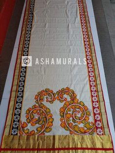Dress Painting, Fabric Painting, Fabric Art, Saree Painting Designs, Fabric Paint Designs, Sarees For Girls, Hand Painted Sarees, Kerala Mural Painting, Kerala Saree