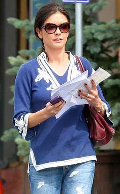 Catherine Zeta-Jones Still wearing her Wedding Ring! | Celebrity News