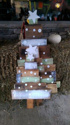 Reclaimed pallet wood Christmas Trees by AllThingsPalletsTJO