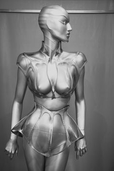 Mugler When fashion was interesting - Lisa.