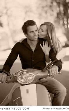 Romantic photoshoot with red Vespa | Photography: Chelsea Mitchell