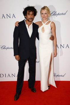 Naomi Watts Makes Her Royal Arrival at the Diana World Premiere: Naomi Watts and Naveen Andrews posed together on the red carpet.