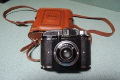 Offered is a nice Beacon II camera in excellent condition with its original leather case and strap. The case is in very good condition but
