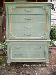Looks like a great combination of duck egg blue and old white with Annie Sloan Chalk Paint