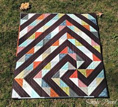 Simply Pieced - a twisted path quilt tutorial. I love this design, there is so much movement!