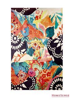 Be bold, even in the outdoors, with this bright outdoor floral rug! #MyHomeSense // Véritable jardin artificiel, osez le tapis coloré et fleuri pour l'extérieur! #MonHomeSense