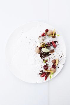 Cerise, cepes, chocolat de 'San Thomé', fleur de sel, basilic - The ChefsTalk Project